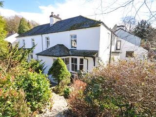 GAVEL COTTAGE, semi-detached, open fire, off road parking, front garden, in Bowness-on-Windermere, Ref 29998 - Hawkshead vacation rentals