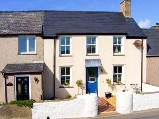 MUR LLWYD, welcoming cottage, close walking, beach, countryside, near Aberdaron Ref 30383 - Rhoshirwaun vacation rentals