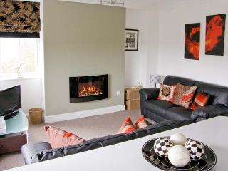 DUKESBURY, family friendly, luxury holiday cottage, with a garden in Grange-Over-Sands, Ref 903934 - Grange-over-Sands vacation rentals