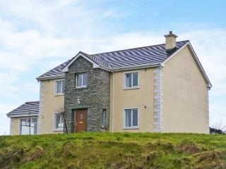 LOUGHROS HOUSE, detached cottage, wonderful views, en-suite, roll-top bath, open fire, summer house, near Millford, Ref 905801 - County Donegal vacation rentals