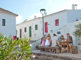 1 Bedroom Cottage In A Rebuilt Traditional Village, In Vila Do Bispo - SAGRES - REF. ADP136544 - Albufeira vacation rentals