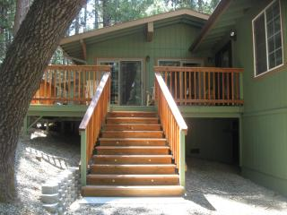 Bass Lake Cabin/Near Yosemite National Park. - Yosemite Area vacation rentals