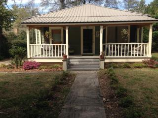 Fairhope Avenue Cottage - Mobile vacation rentals