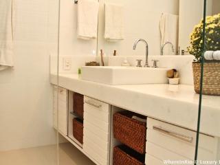 W45 - Luxurious 2 Bedroom Apartment in Ipanema - Rio de Janeiro vacation rentals