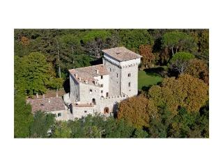 Castello Carducci - Sigillo vacation rentals