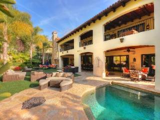 Beverly Hills Luxury with private back yard & sparkling pool and spa - West Hollywood vacation rentals