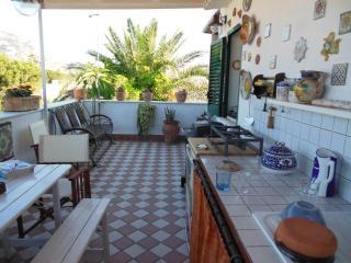 casa vacanza Lunastella a 100 metri dal mare - Palermo vacation rentals