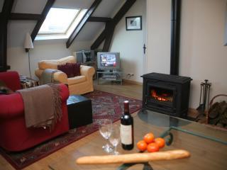 couples look - barn apartment near Ste Mere Eglise - Saint-Come-du-Mont vacation rentals