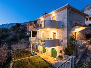 STONE VILLA WITH CHARACTER - Igrane vacation rentals