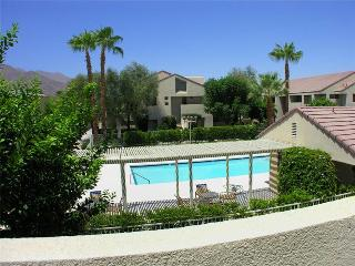 Beautiful condo in the heart of Palm Springs - Palm Springs vacation rentals