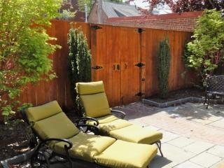 Spacious apt in grand building - Capitol Hill - Washington DC vacation rentals