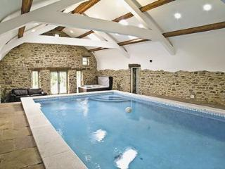 Cottage with pool    Durham cottage - County Durham vacation rentals