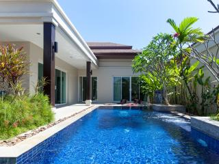 Luxury 3 Bedroom Private Pool Villa in Rawai - Nai Harn vacation rentals