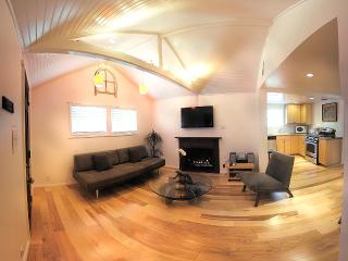 Beach Apartment, 1 block to beach.. - Venice Beach vacation rentals