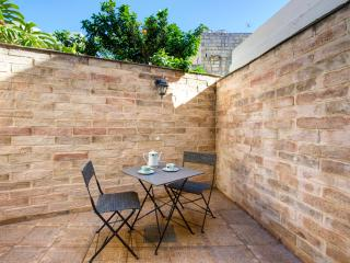 002 Sliema 1-bedroom Ground Floor Studio Apartment - Sliema vacation rentals