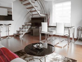 Sleek 1 Bedroom Apartment in Parque 93 - Bogota vacation rentals
