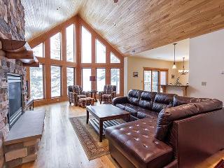 The Copperwood Condominiums: Unit 17 - Eagle River vacation rentals