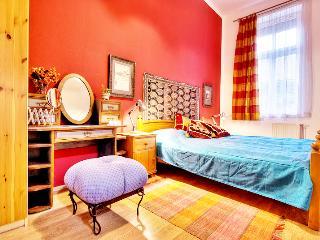 3 bdr Broadway Hip Apartment Budapest Centre - Budapest & Central Danube Region vacation rentals