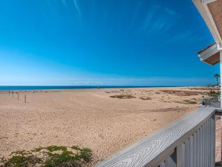 408 B East Oceanfront- Upper 3 Bedroom 2.5 Baths - Irvine vacation rentals
