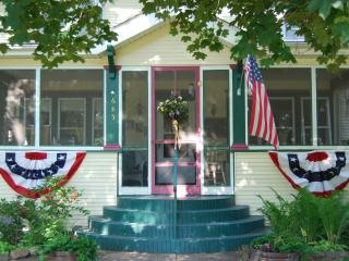 Beautifully appointed 1914 Bed and Breakfast - Rush City vacation rentals