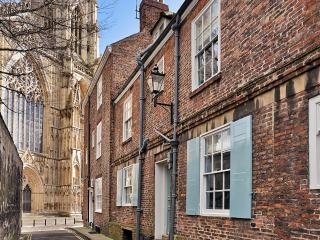 2 Precentor's Court, York Minster - York vacation rentals