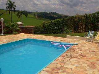 Linda chácara para locação em Socorro/Sp Brasil - Beautiful ranch for lease in Socorro / SP Brazil - Serra Negra vacation rentals