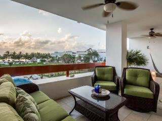 Casa Gonzales (7330) - Penthouse, Rooftop Jacuzzi, Beach and Ocean Views - Cozumel vacation rentals