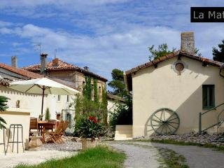 Domaine de la Matte - Vine Entire Cottage 2/6 at La Matte - Carcassonne vacation rentals