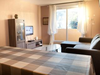 Comfortable all furnished 2BD Parking POOL/TENNIS - Gonneville-sur-Honfleur vacation rentals
