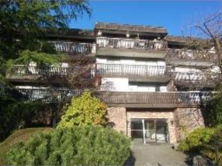 1 BR CONDO W/ BALCONY(Mountain side) Top 3rd fl- L - Image 1 - North Vancouver - rentals