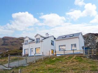 AN NEAD HOUSE, detached, open fires, views of Atlantic Ocean, off road parking, in Kilcar, Ref 20729 - Glenties vacation rentals