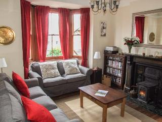 2 NORFOLK VILLAS, detached, three storey cottage, woodburner, pet-friendly, close to town centre, in Malvern, Ref 22904 - Malvern vacation rentals