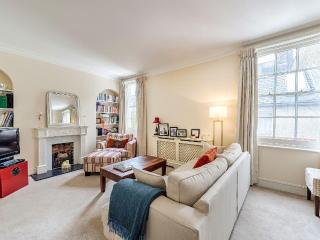 Kensington High Street 2 Bedroom/2 Bathroom Duplex - London vacation rentals