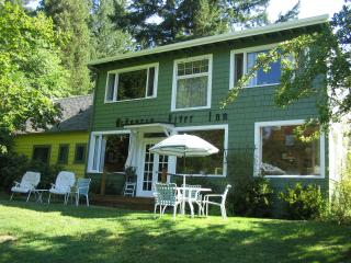 McKenzie River Inn Bed & Breakfast and Cabins, in the heart of the Oregon Cascades - Vida vacation rentals