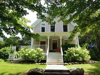 GROVE STREET COTTAGE - Town of Camden - Rockport vacation rentals