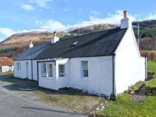 ACHNAFALNICH, pet-friendly single-storey detached cottage with open fire, Dalmally Ref 906860 - Argyll & Stirling vacation rentals
