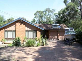 Blue Mountains - Up to 13 people - Great Value - Hawkesbury Heights vacation rentals