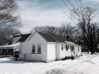 2 BD 1 BA Cozy Charming Hackettstown House - Stillwater vacation rentals