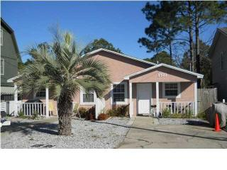 Pets welcome. 2 Bedroom Gem  Quick Walk to the - Panama City Beach vacation rentals