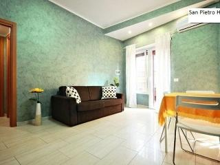 Loft in Vaticano with terrace Free WiFi - Rome vacation rentals