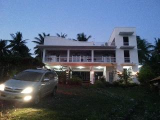 Villa Violeta Vacation BeachHouse  Laiya  Batangas - Sawang vacation rentals