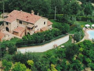 sorgente 3 appartamento in agriturismo podere fucile - Montepulciano vacation rentals