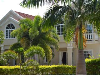 Silver Lime Villa and Catering Service - Runaway Bay vacation rentals