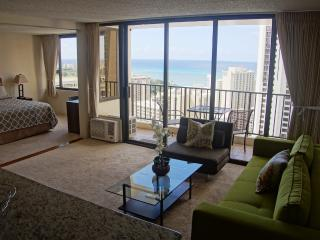 Luxury Ocean View condo in Waikiki banyan, sleeps5 - Honolulu vacation rentals