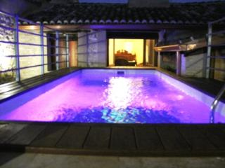 Grand 9 bedroom home with private swimming pool - Palomar vacation rentals
