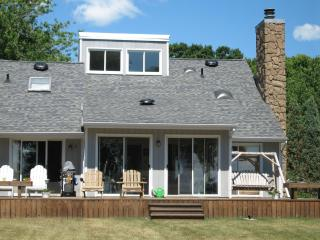 secluded lakefront retreat in Marblehead, Ohio USA - Marblehead vacation rentals