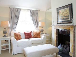 http://www.aplacelikehome.co.uk/l302-st-albans-grove-kensington-bqxgakpxf.aspx - London vacation rentals