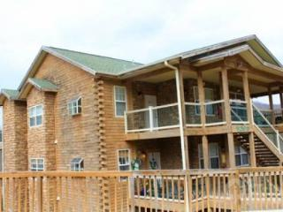 Eagle's Nest Penthouse 2Bdr Condo - Branson vacation rentals