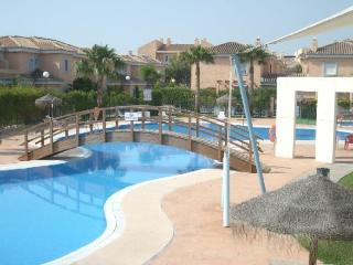 BEACH HOUSE WITH SWIMMING POOL SLEEPS 6 PEOPLE - Pechina vacation rentals