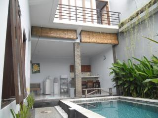 Dedawe Budget Villa Bali - Kuta vacation rentals